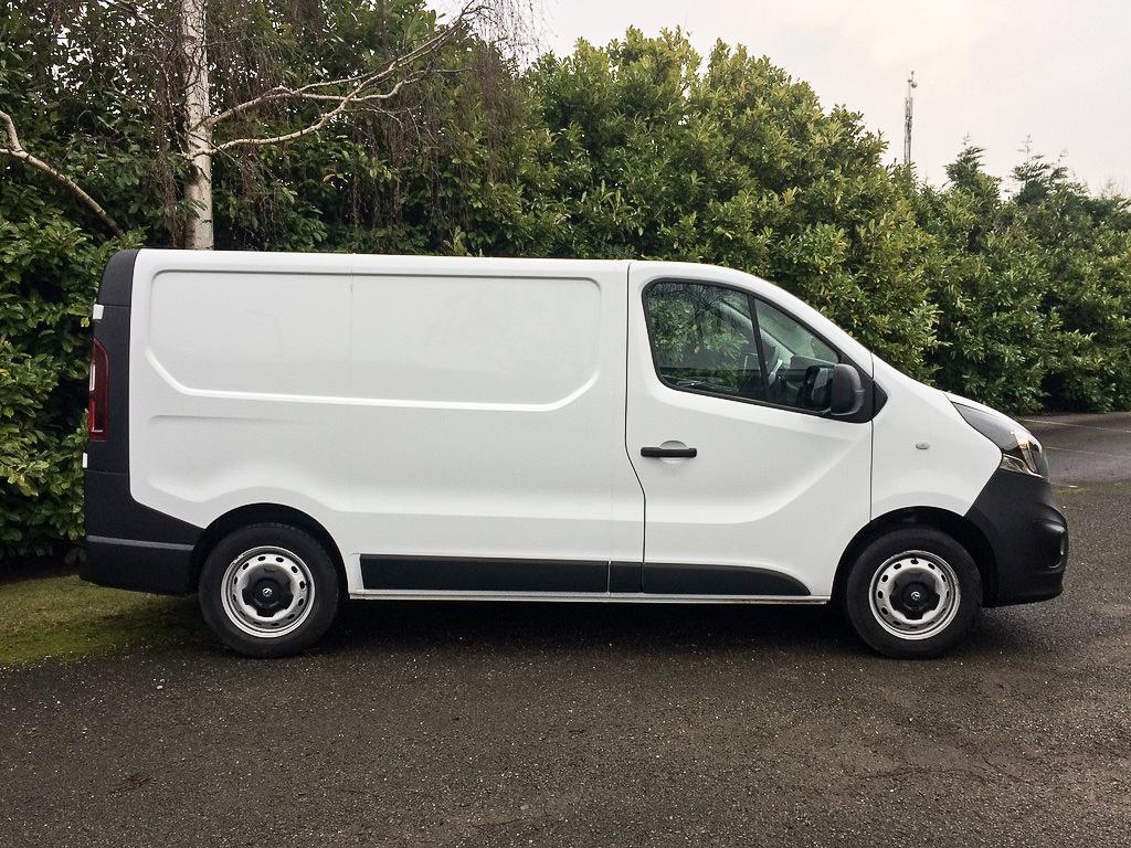 8fec22eb42b3b1 2015 65 Vauxhall Vivaro 1.6CDTi 115PS 2700 L1H1 SWB Panel Van.